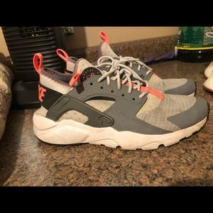 Nike Huarache (GRADE SCHOOL) ((READ DESCRIPTION))